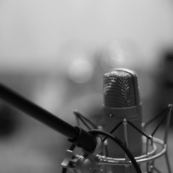 microphone-1003557_1280